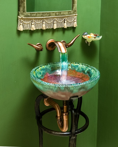 Powder Room Detail