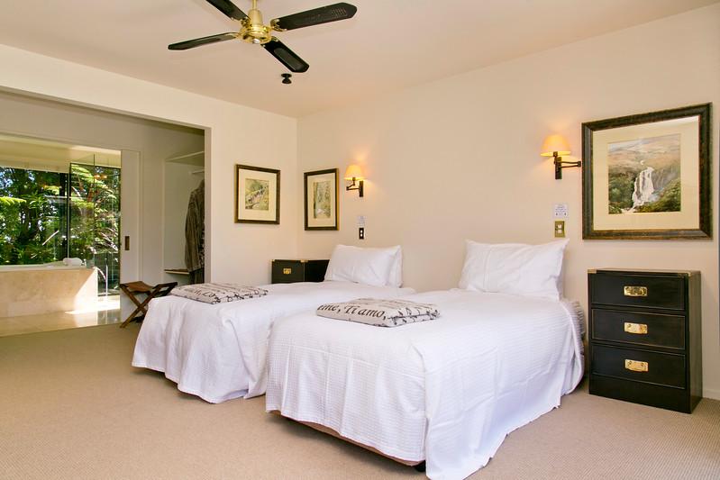 The Point Villas - Tatamoana - - Villa One -Optional Twin bedding on request