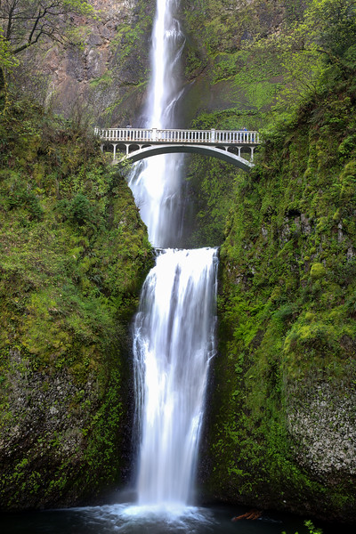 multnomah fall.jpg