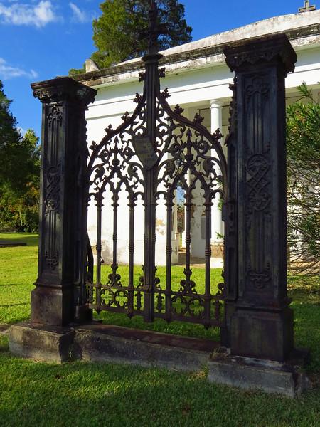 Glover Family Mausoleum, Riverview Cemetery, Demopolis, Alabama (2).JPG