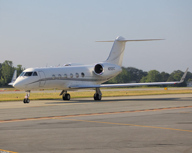 Gulfstream Aerospace G-IV c/n 1025 N250KC of IFLYAJET Inc, Lawrenceville, GA Taxiing in after arriving from Gwinnett County-Briscoe Field (KLZU) KPDK, Dekalb GA, 05/28/2021, This work is licensed under a Creative Commons Attribution- NonCommercial 4.0 International License.