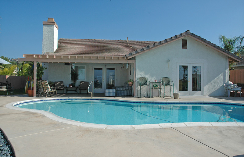 jennings vista_pool back of house.jpg