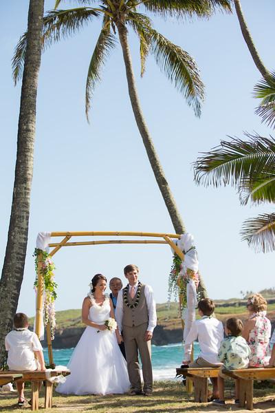 gillin beach kauai wedding-110.jpg