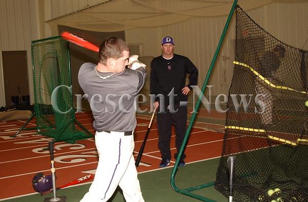 01-28-14 NEWS Baseball Practice at DC