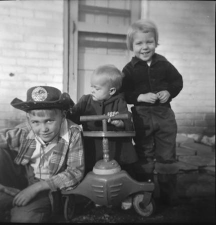 1950-z1-The three kids.jpg