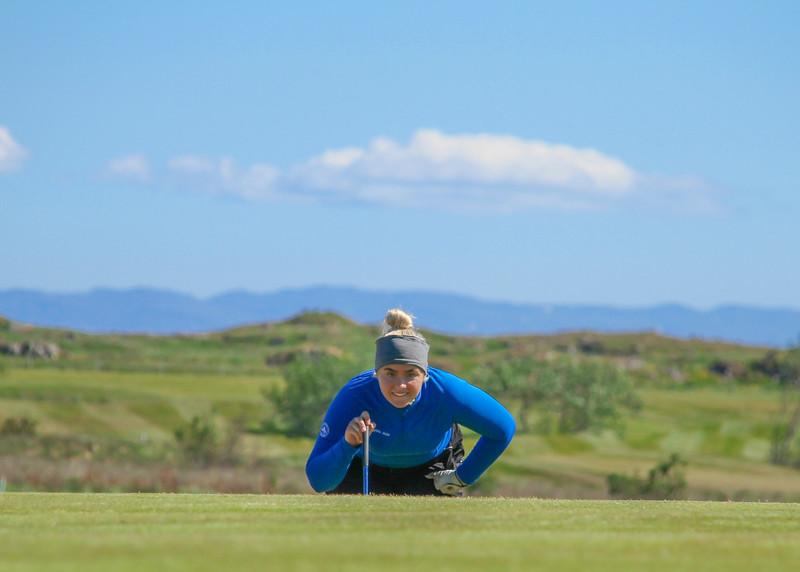 Hafdís Alda Jóhannsdóttir, GK, á 9. flöt á Garðavelli.  Mynd/seth@golf.is