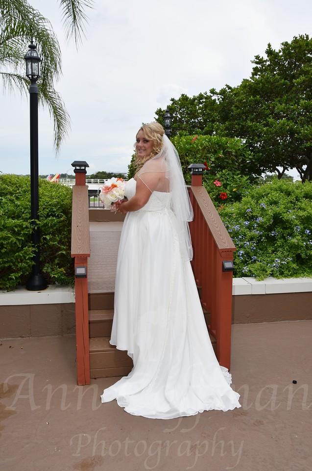 Beautiful wedding at Tampa Airport Marriott, FL