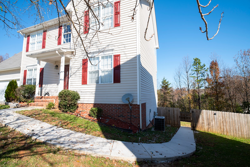 20191125 Rental Property Heatherview Lane 011Ed.jpg
