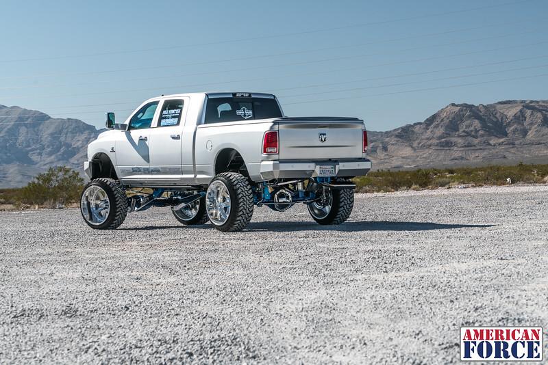 Ridin'-High-Silver-Dodge-Ram-161105-DSC02833-50.jpg