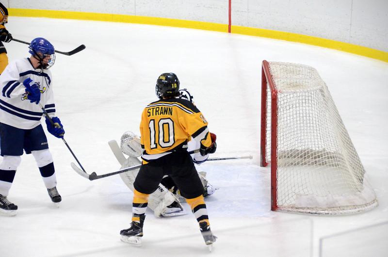 141004 Jr. Bruins vs. Boston Bulldogs-123.JPG