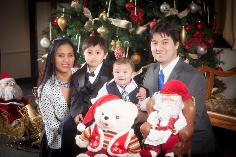 Pioneer Home Christmas December 25, 2013 0079.JPG