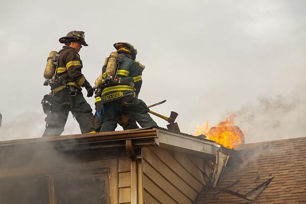 Paterson NJ 2nd alarm, 317 Delaware Ave, 12-27-13