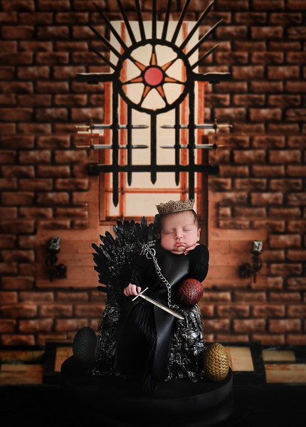 Game of Thrones newborn pictures