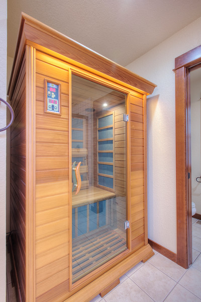 sauna fits perfect in master bath.jpg