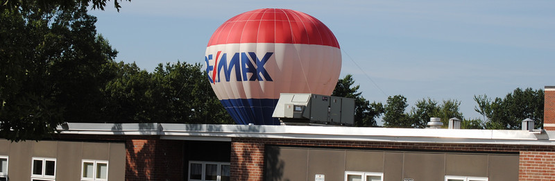 RE/MAX Balloon Old Home Day 2010