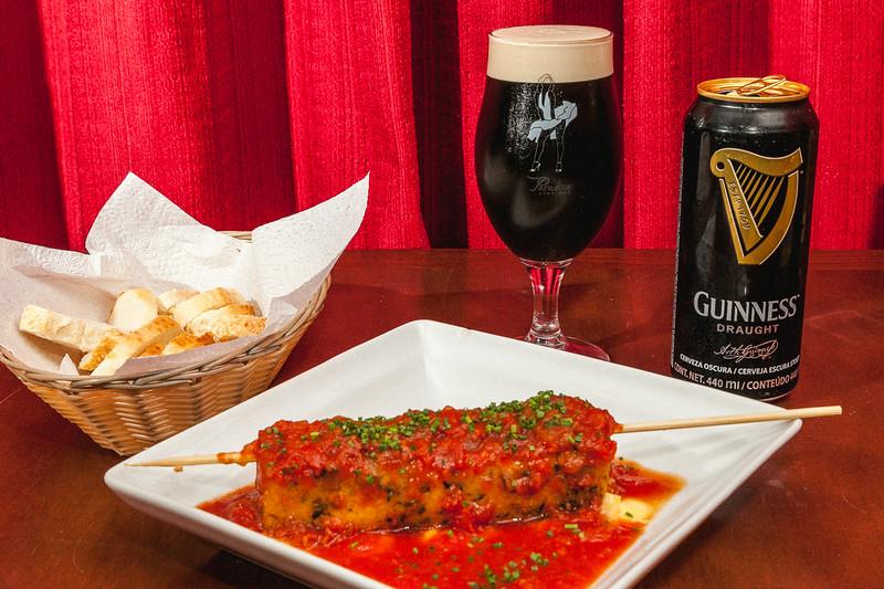 Cerveja Guiness com Espetinho de provolone_Foto_Felipe Menezes_02.jpg