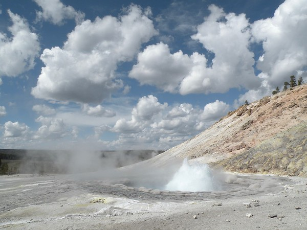 Geothermal Areas  in Yellowstone (General)