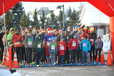 Start - 2016 Shelby Twp. Jingle Bell Run
