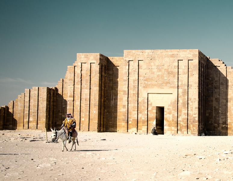 saqqara_unas_tomb_serapeum_dahshur_red_bent_pyramid_20130220_4787.jpg