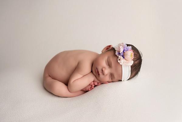 Thea • Newborn