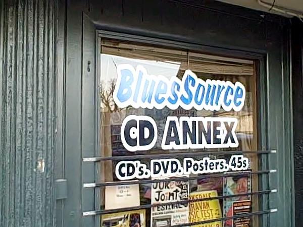 Blues Source, Clarksdale April 15, 2010 0 00 22-12.jpg