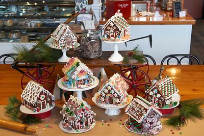 December - Gingerbread Houses