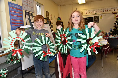 Third Grade Gets Christmas Crafty photos by Gary Baker