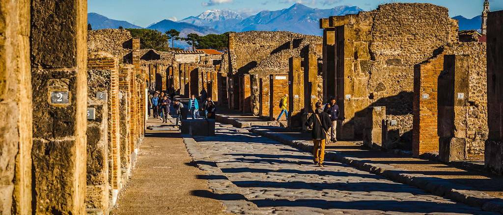 意大利一世纪古城庞贝,城市大道
