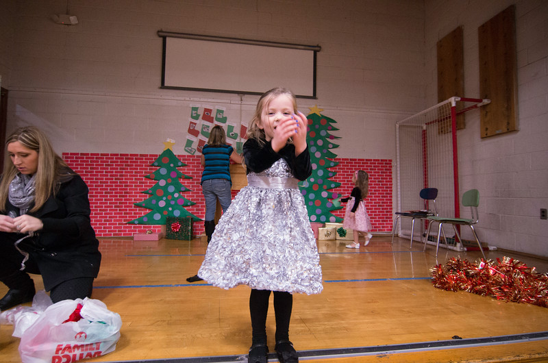 12.17.2014 - Riverview Co-Op Preschool Christmas Program - _CAI6108.jpg