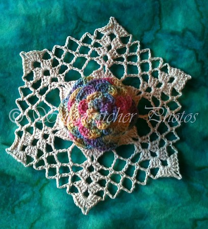 Dahlia Snowflake, antique rainbow colorway