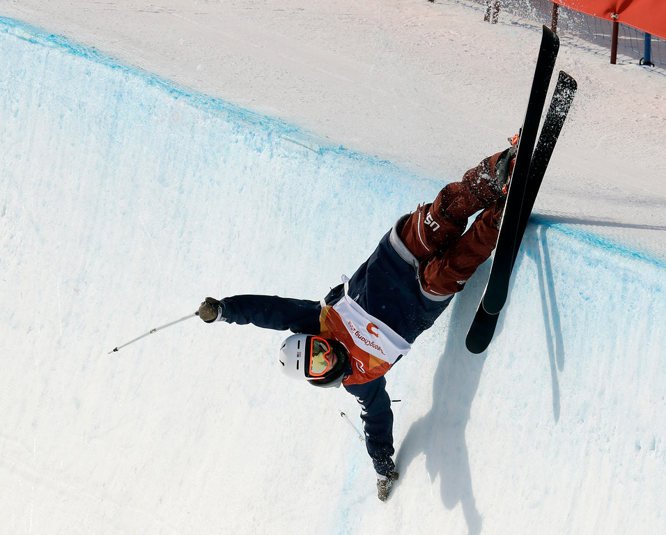 . Aaron Blunck, of the United States, crashes during the men\'s halfpipe final at Phoenix Snow Park at the 2018 Winter Olympics in Pyeongchang, South Korea, Thursday, Feb. 22, 2018. (AP Photo/Lee Jin-man)