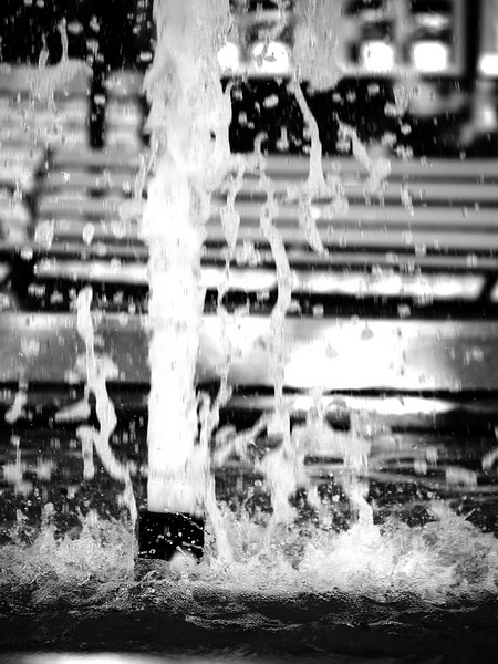 1. 'Splash', by SuperJr. 9/19/07, Olympus E-500, Zuiko 40-150mm lens.