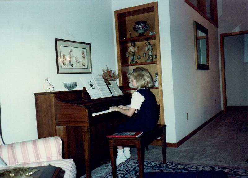 1989_Fall_Halloween Maren Bday Kids antics_0019.jpg