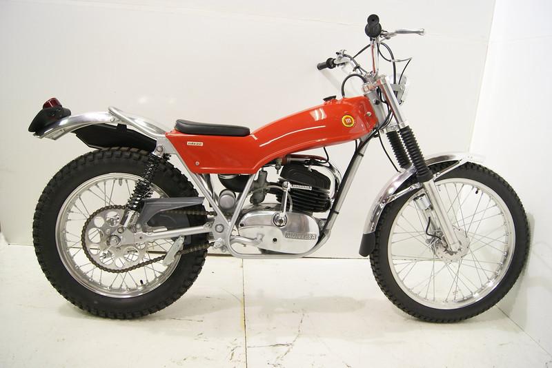 1971Montesa 7-11 002.JPG