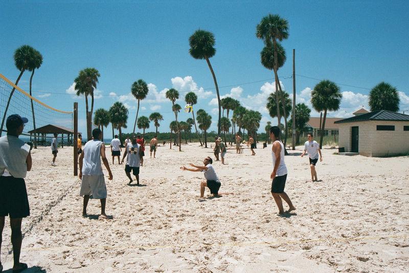 2002 05 22 - 6CS Beach party 02.JPG