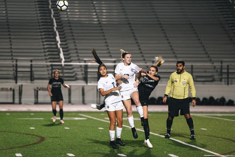 SoccerGirlsVarsity_Jan18_ElainaEich0055.jpg