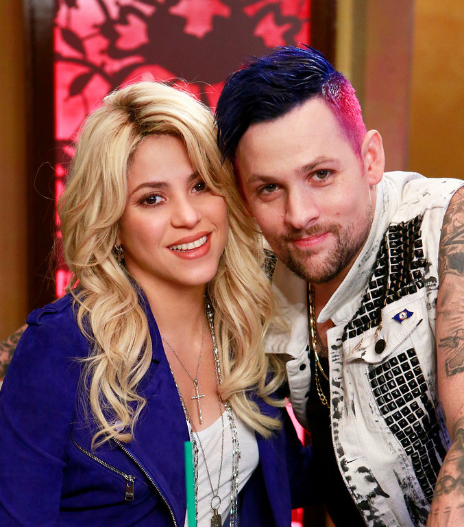 ". THE VOICE --  ""Shakira Reality \"" -- Pictured: (l-r) Shakira, Joel Madden -- (Photo by: Trae Patton/NBC)"