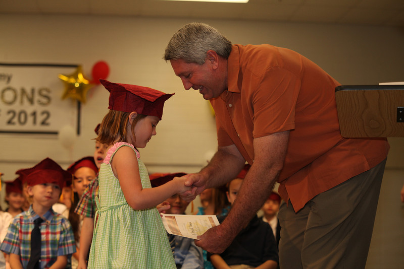 2012May18_MTA Kinder Grad_9698.JPG