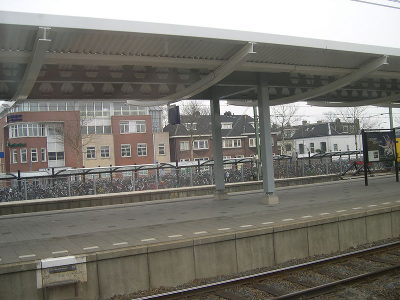 Under-roof bike parking at the Zwolle train station