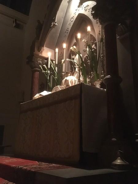 High Altar, Maundy Thursday during sermon