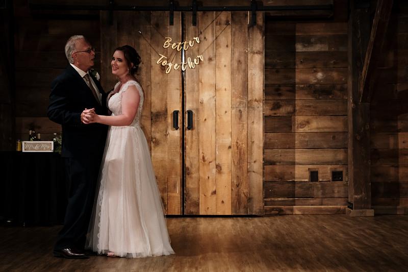 rustic_ohio__fall_barn_wedding-401.jpg