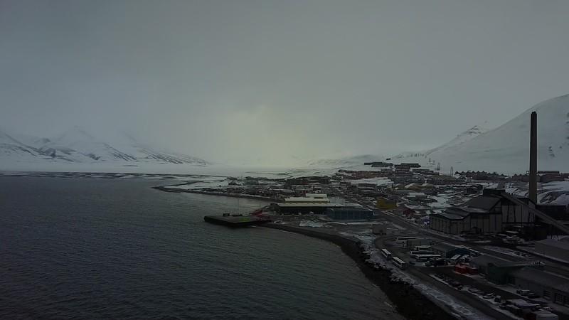 5-29-17030272drone longyearbyen.MOV