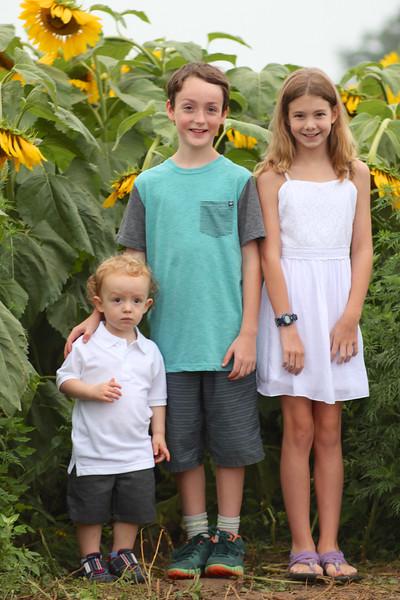 FamilySunflowers_ 107.jpg