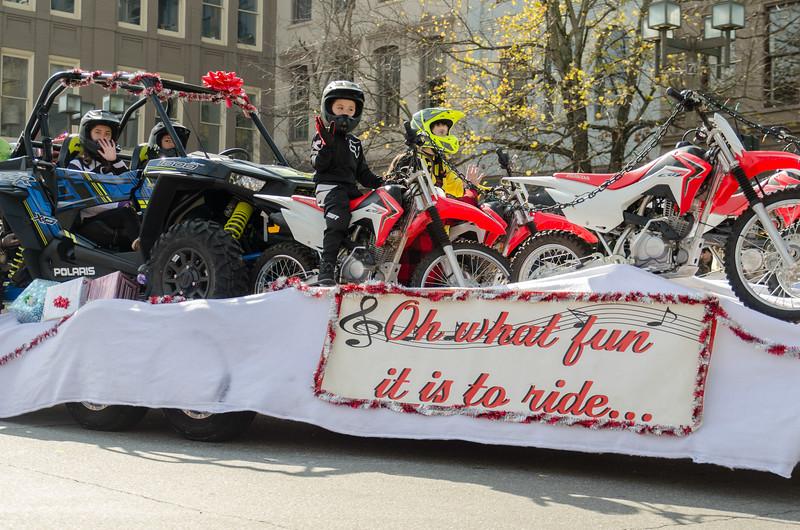 2017 Asheville Holiday Parade-204.jpg