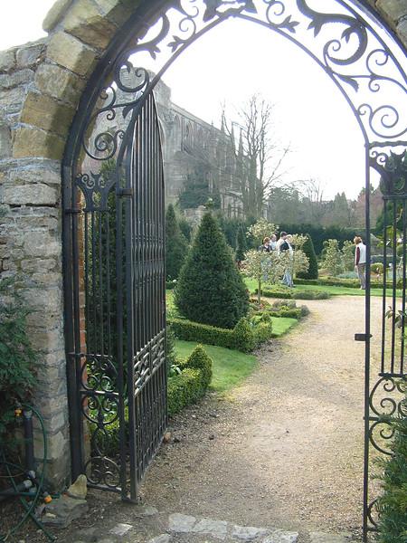 formal garden 3.JPG