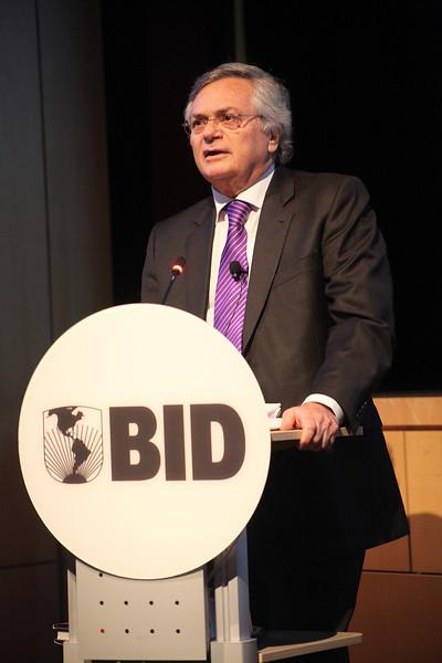 The End of Power By Moises Naim at BID
