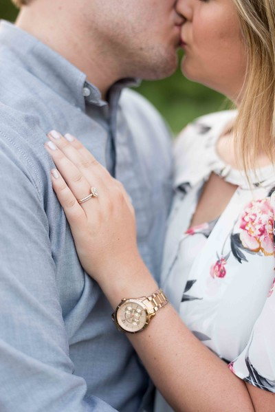 Knoxville-Engagement-Photographers-16.jpg
