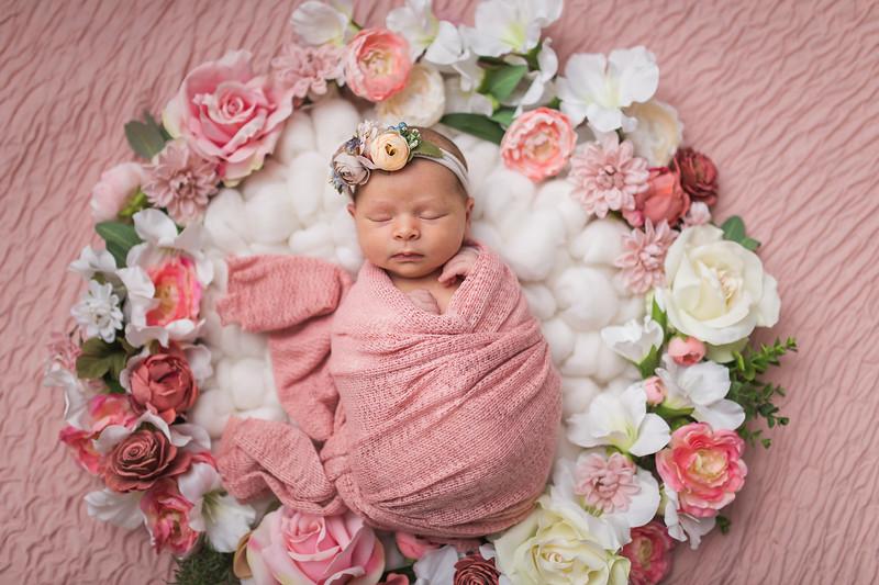 Kaylyn Newborn-95.jpg