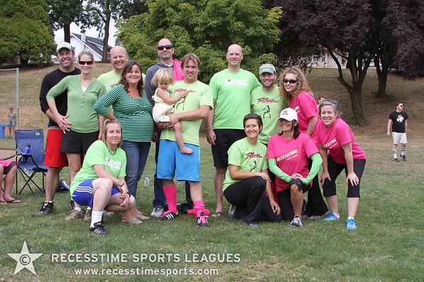 Fall Sunday Kickball Teams/Action