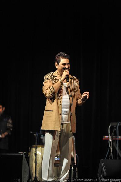 2016-10-09_DurgaPuja_Concert_KumarSanu@KallolNJ_20.jpg